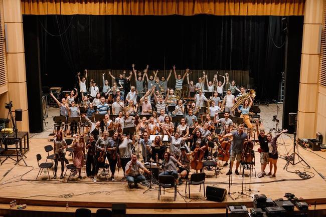 """Police Symphony Orchestra živým koncertem """"Na shledanou!"""" dokončí svou karanténní hudební trilogii"""