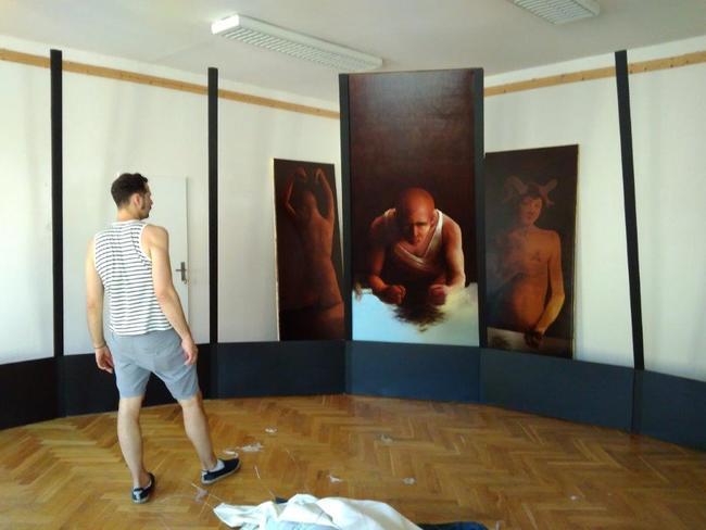 Broumovský rodák Jan Petrov vystavuje v Polici nad Metují
