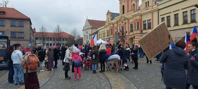 Broumovská stopa občanského protestu v Mělníku