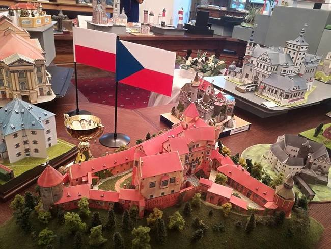 Výstava Muzea papírových modelů na Zámku v polské Oleśnici