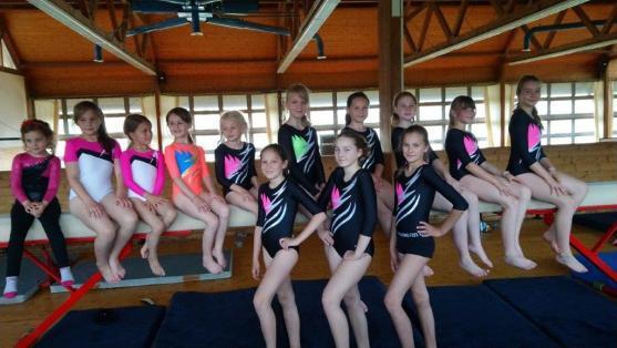 Broumovské gymnastky se těší na další sezónu v nových slušivých dresech