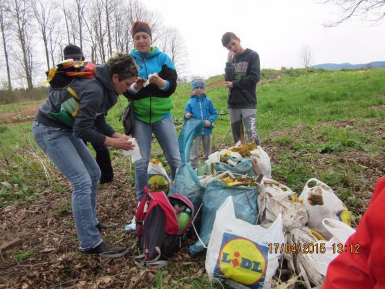 Do Jarního úklidu na Broumovsku se zapojila řada dobrovolníků i organizací