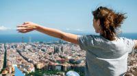 Vzdělávej se a cestuj do zahraničí díky podpoře Vzdělávacího fondu Broumovska AMOS