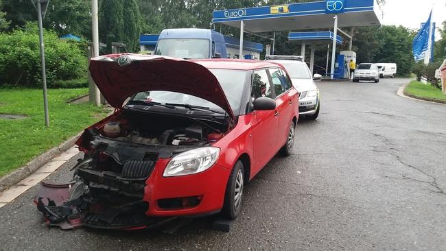 Nehoda u benzínové pumpy