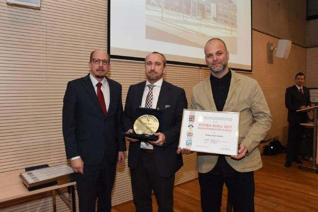 Titul krajské stavby roku získal průmyslový areál v Hronově