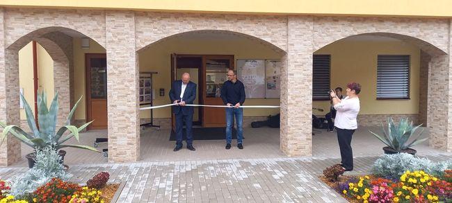 V Hejtmánkovicích slavnostně otevřeli polyfunkční komunitní centrum