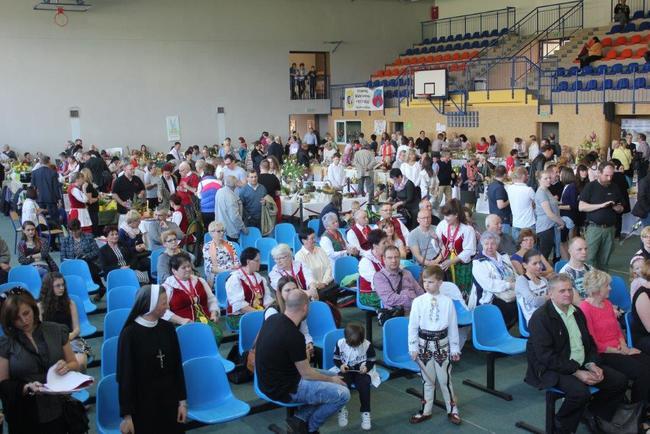 Stovka stánků, více jak tisíc hostů. Takový byl Velikonoční jarmark Gminy Radków