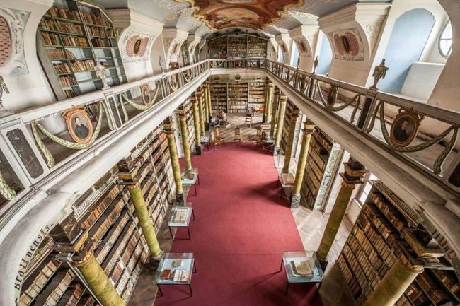 Živá online prohlídka broumovského kláštera odhalí krásy klášterní knihovny