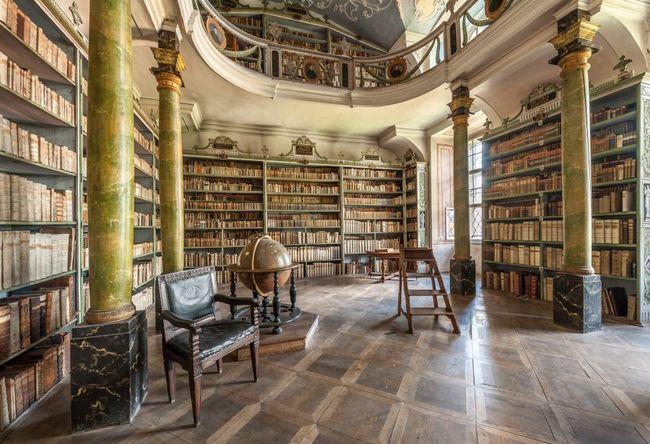 Další živé online prohlídky broumovského kláštera odhalí krásy klášterní knihovny