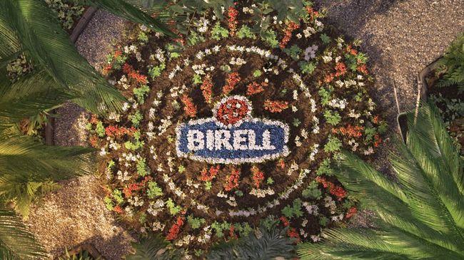 Návštěvníci Adršpachu si mohou postavit s Birellem květinovou mandalu
