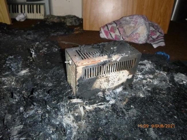 Zplodinami hoření se nadýchala kočka