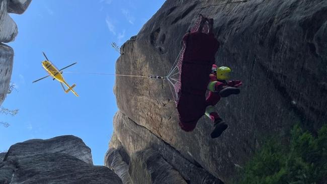 Víkend ve skalách: Tři zásahy při záchraně zraněných osob