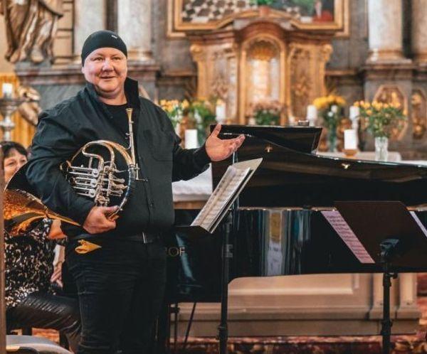 Festival Za poklady Broumovska zařadí v tomto týdnu do programu koncerty účastníků i lektorů Letních hornových kurzů