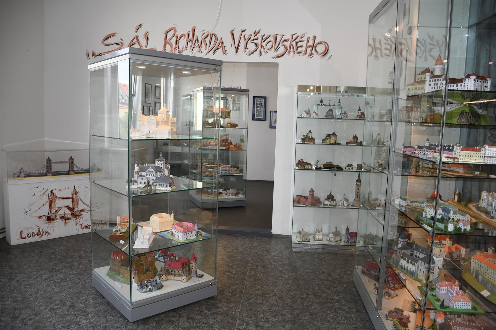Muzeum papírových modelů v Polici nad Metují